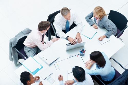 Une PME peut optimiser sa gestion des ressources humaines par l'utilisation d'un logiciel SIRH qui pourra répondre à tous leur besoin tout en étant dans leur budget