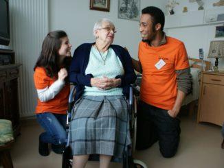Maintien des personnes âgées : optez pour une aide à domicile
