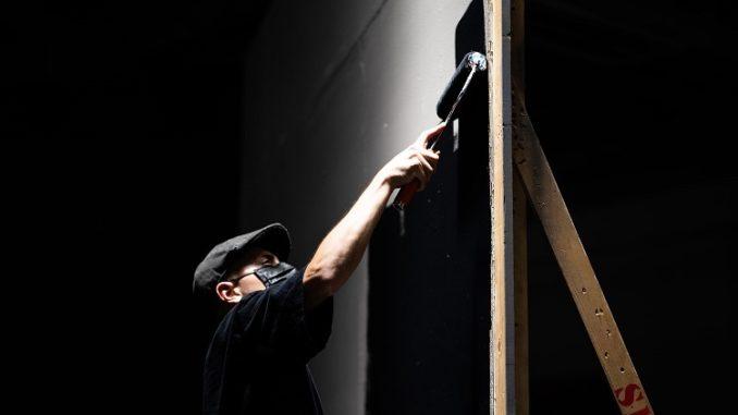 Astuces pour peindre un mur intérieur abimé