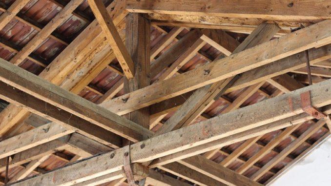 Ce qu'il faut absolument savoir avant d'installer une charpente en bois